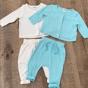 *Set of 2* OLD NAVY plush sweater set 3-6 months
